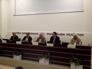 tavolo relatori conferenza stampa